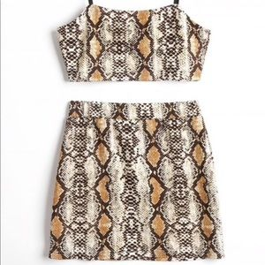 2 Piece Matching Set - Crop top with skirt